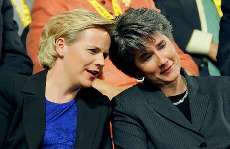 Mary Cheney Sends a $1000 Love Letter to Anti-Gay Rob Portman